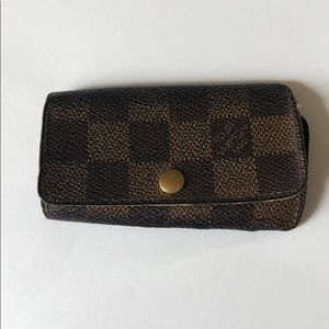 Louis Vuitton Damier 4-Key Holder - Authentic
